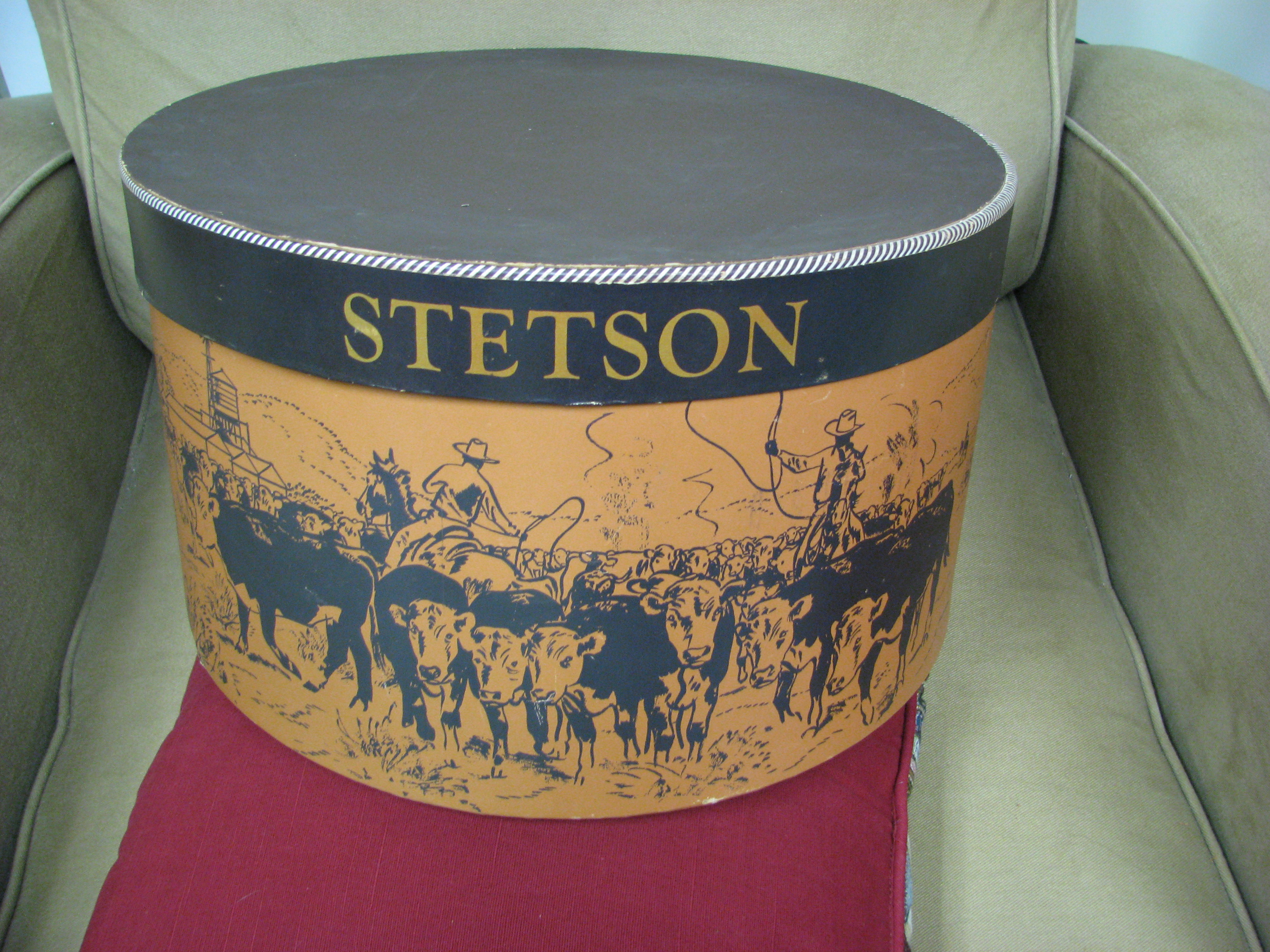 877d068b517055 ... boxes, four Stetson hats (two men's and two women's), and a variety of  printed material on the Stetson Hat Company.