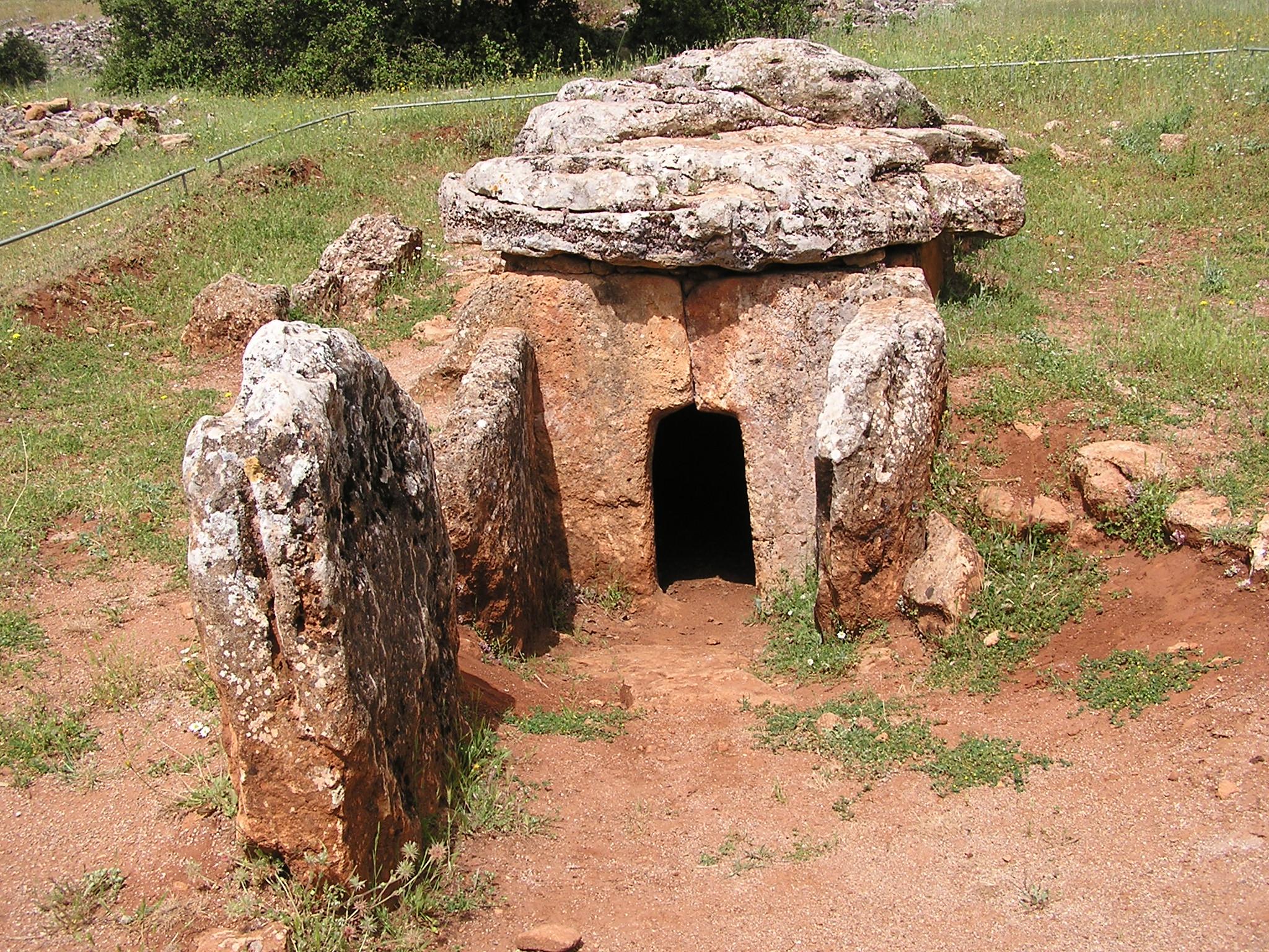 Dolmen 23 En La Pe 241 A De Los Gitanos Montefr 237 O Near