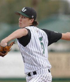 Jacob deGrom pitching with the Stetson Hatters in college